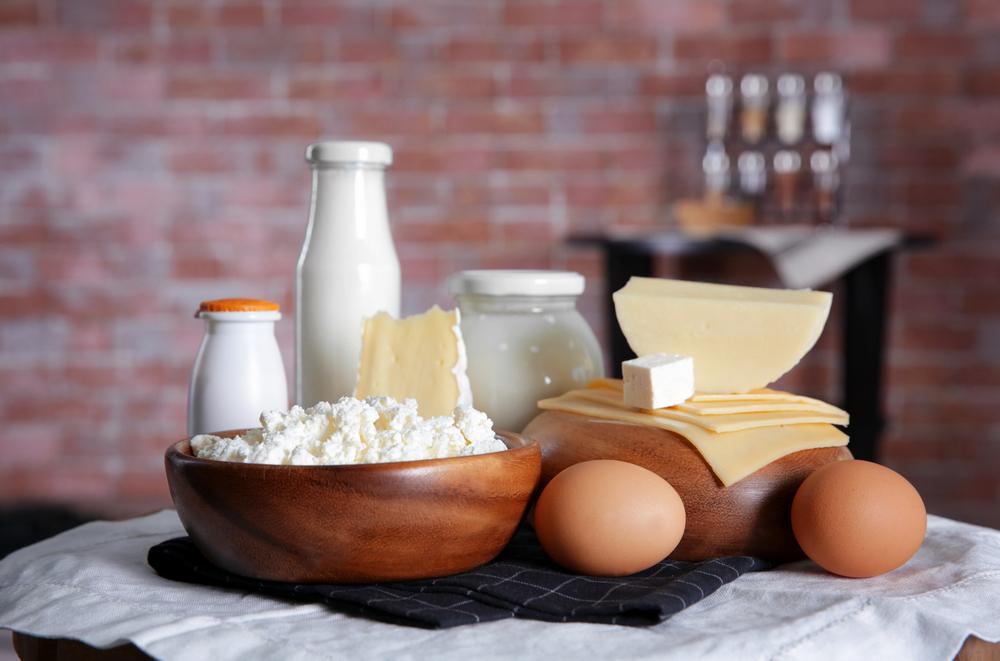Роспотребнадзор рекомендует не покупать молочную продукцию у частников