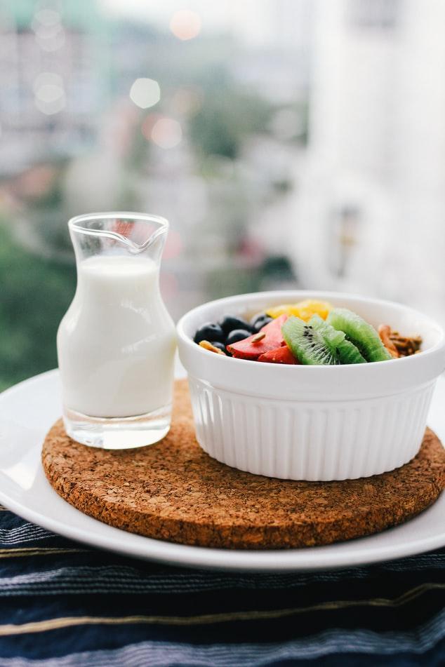 Роскачество развеяло мифы о составе и свойствах молока
