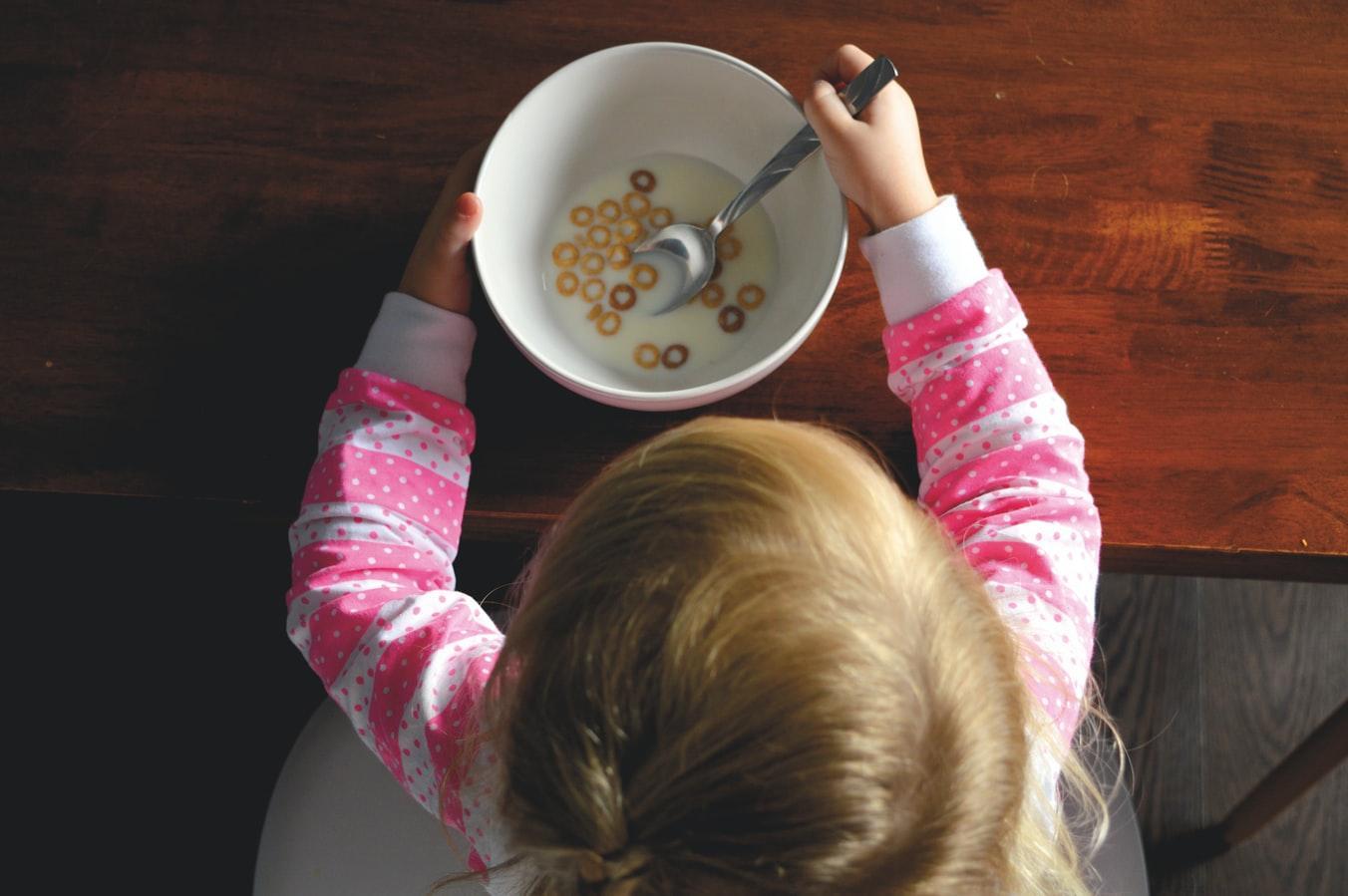 Специалисты рекомендуют родителям заранее продумать рацион школьников