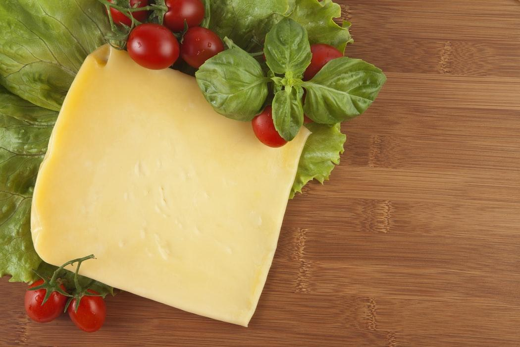 С 1 июня 2021 года введена обязательная маркировка сыров и мороженого.